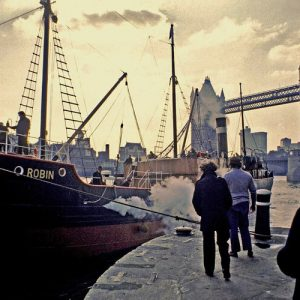 ss+robin+arriving+at+st+katharine+dock+no+date+01